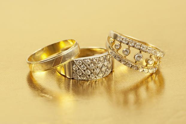 How to Buy the Perfect gold Jewellery? What to Avoid?