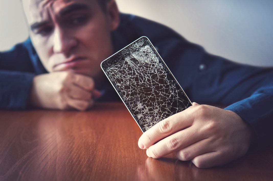 Phone Repair Solution For Cracked Screen